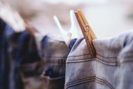 Sposoby na usunięcie gumy do żucia z ubrania