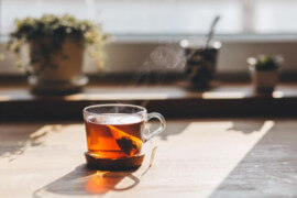 Plusy i minusy picia herbaty