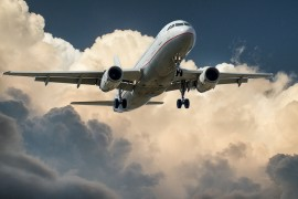 Zalety transportu samolotem, czyli co rekompensuje cenę transportu lotniczego