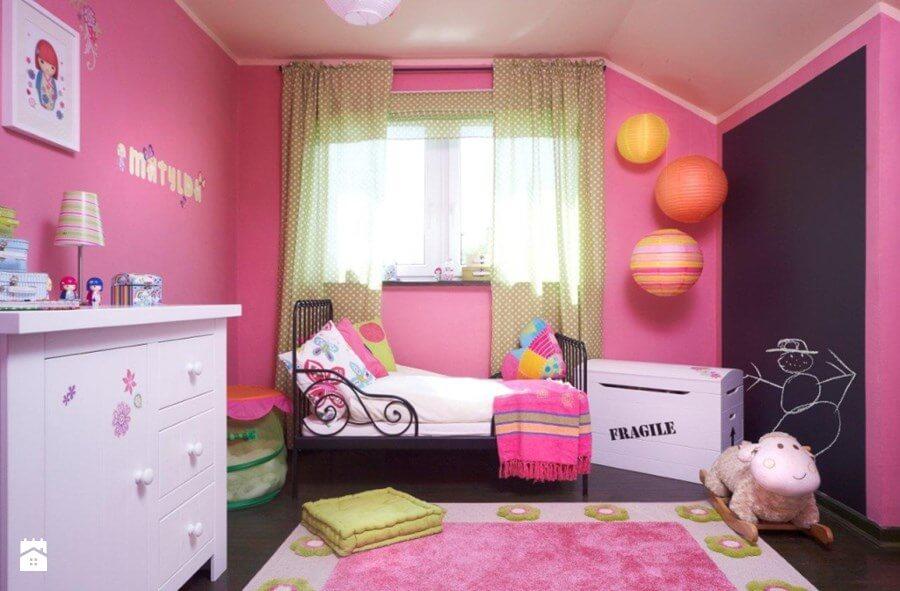 Pokój dziecka na różowo