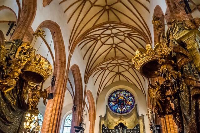 wnętrze katedry pw. św. Mikołaja w Sztokholmie