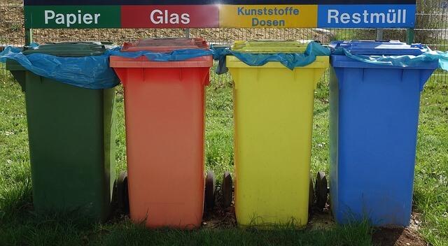 pojemnik do segregowania śmieci