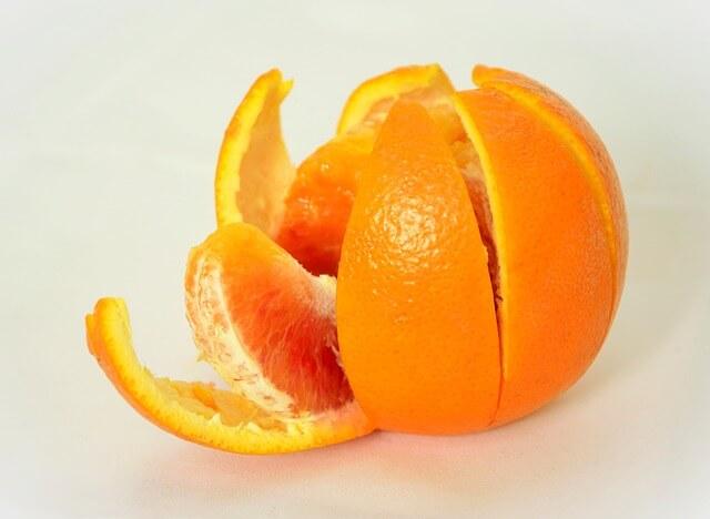 pomarańcza w kawałkach
