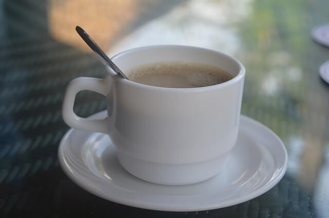 Herbata z mlekiem sposobem na zgagę