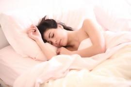 Jak szybko zasnąć? Sposoby na szybkie zaśnięcie