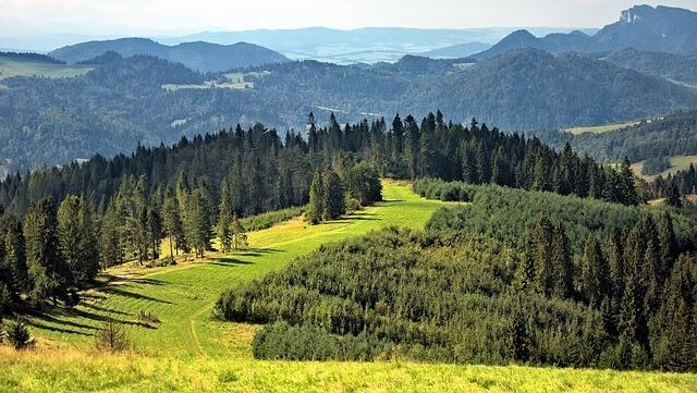 Piękne Beskidy w Polsce idealne na wyjazd z dzieckiem