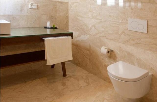 Płytki kamienne w łazience