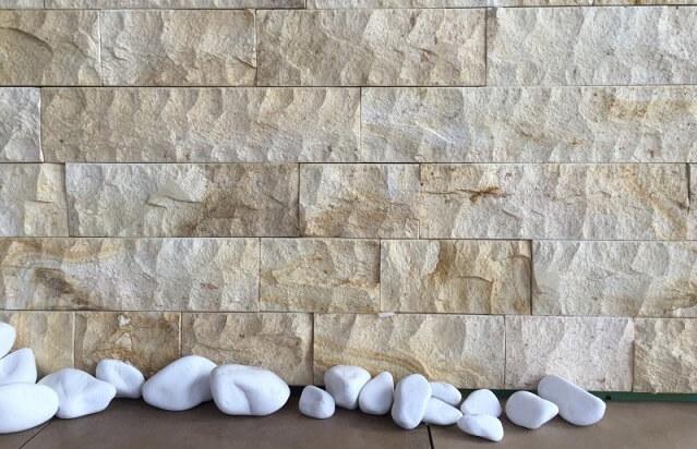 Płytki z kamienia tuf ze skały wulkanicznej