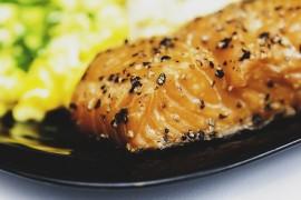 Z czym podawać rybę? Ciekawe przepisy na obiad