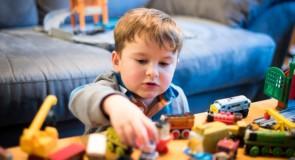 Interaktywne i edukacyjne zabawki, co ciekawego oferują sklepy z zabawkami?