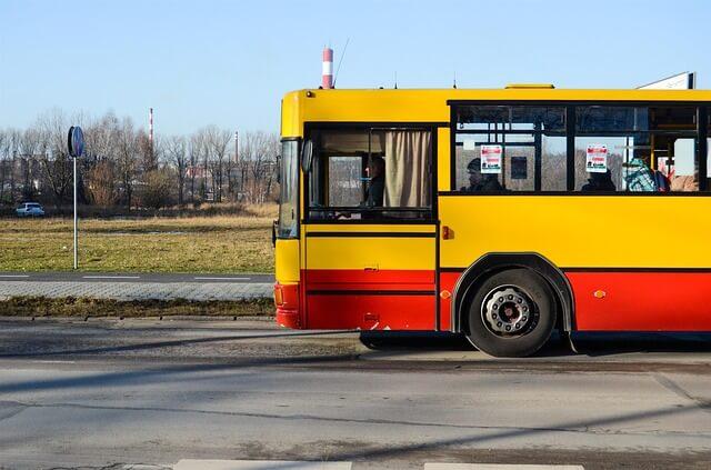 Autobus na polskich drogach