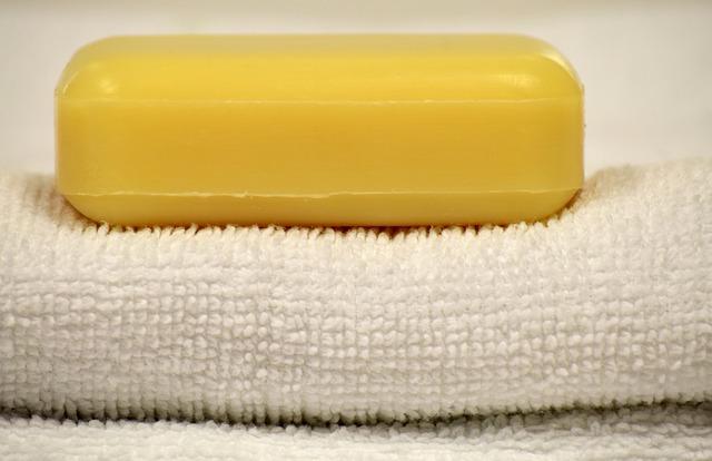 mydło na ręczniku