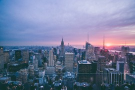 Loty do Nowego Jorku – jak szukać, kiedy bookować? Jak kupić tani bilet lotniczy do Nowego Jorku?