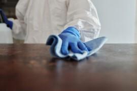 Sprzątanie i utrzymanie czystości – zlecić czy zatrudnić, kiedy co warto wybrać?
