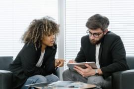 Pracujesz jako przedstawiciel handlowy? Tych błędów musisz unikać